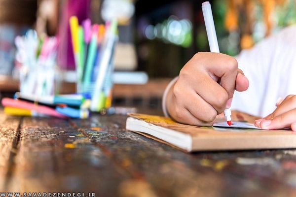 نقاشی های کودک خود را به دیوارهای خانه بزنید؛ زیبا تر از هر تابلویی!