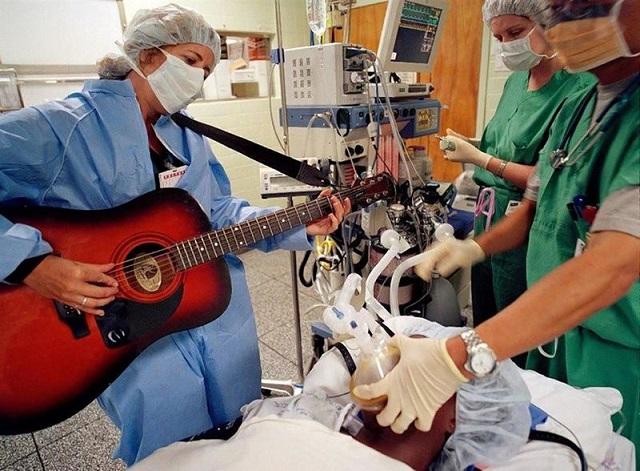 موسیقی چه اثری بر سلامت بدنی و مغزی ما دارد؟ علم در این باره چه می گوید؟